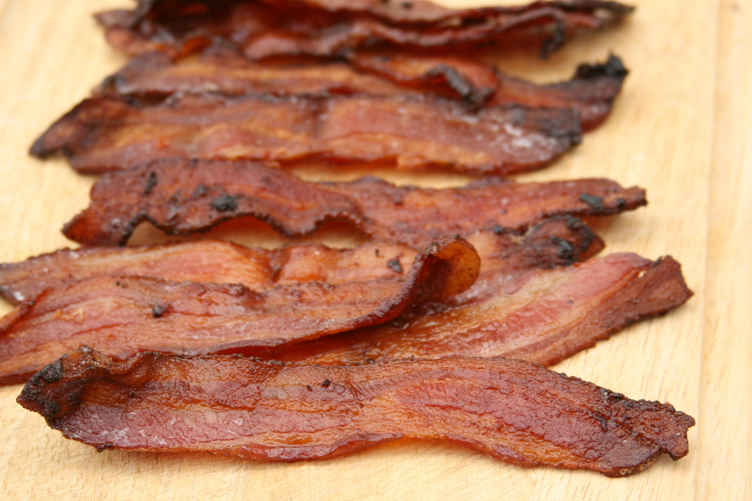 Get the #recipe for Maple Pepper Bacon #maple #recipes #foodblogger #bacon