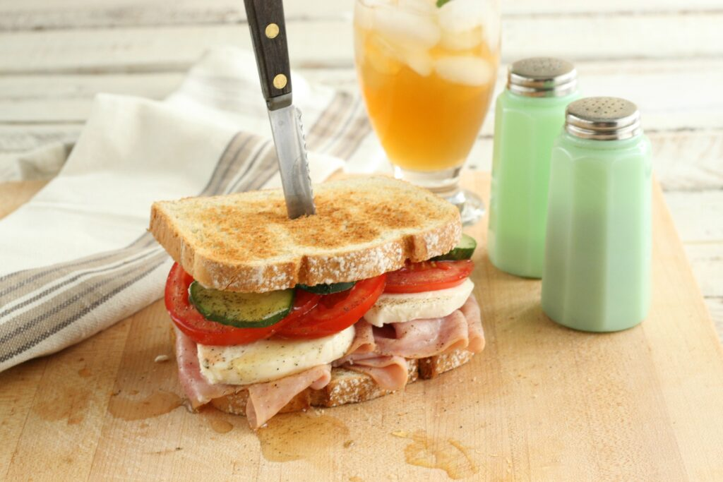 Summer farmhouse ham sandwich66