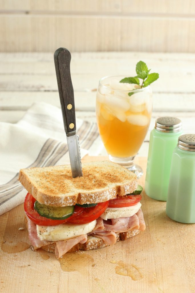 Summer farmhouse ham sandwich67