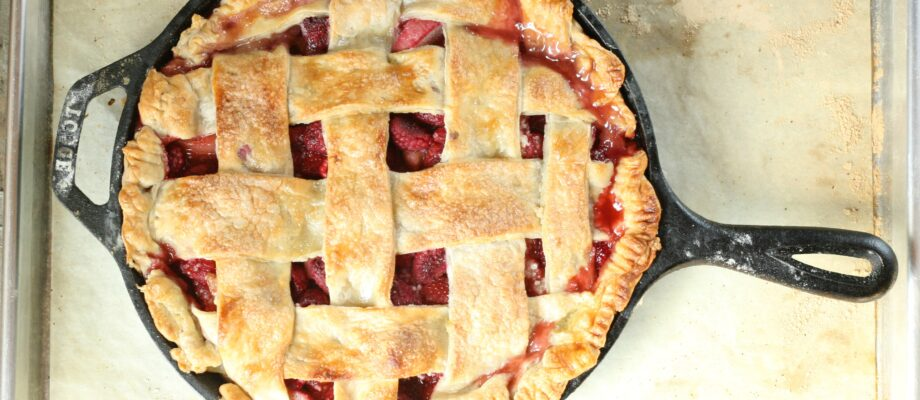 Strawberry Raspberry Rhubarb Pie