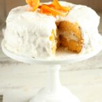 Make this super moist Orange Dreamsicle Cake using only a few ingredients. #recipes #orange #orangecake #cake