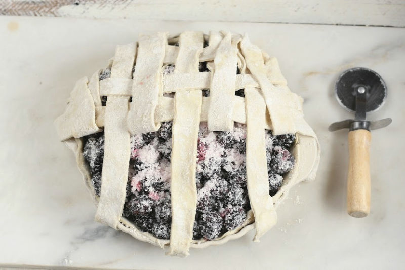 weaving a lattice pie crust